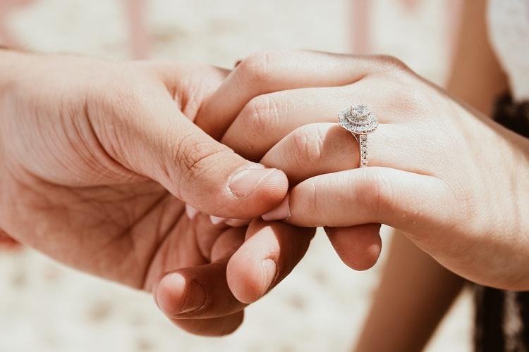 pierścionek - sklep jubilerski