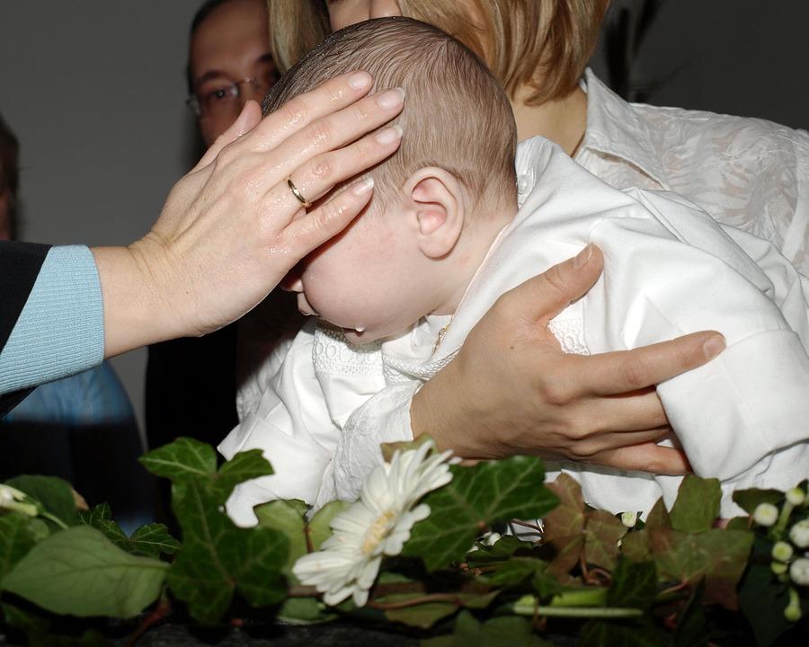 jaka biżuteria nadaje się na prezent z okazji chrztu?